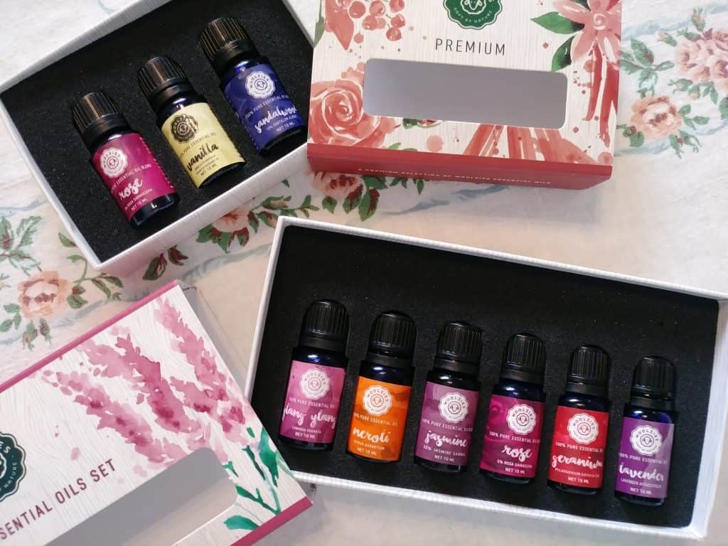 Woolzies Floral and Premium Essential oils sets